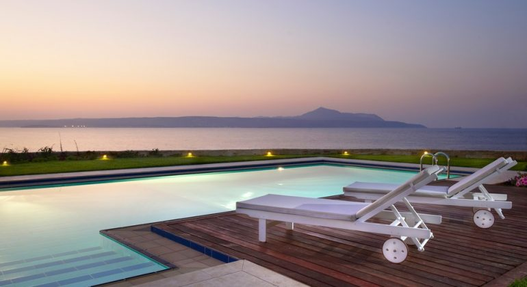 Almyra's pool with endless views...