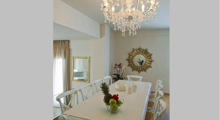 An elegant dining table for elegant guests!