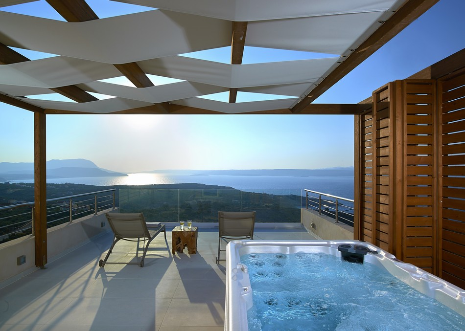 Villa nissos authentic crete villas in crete holiday for Terrace jacuzzi