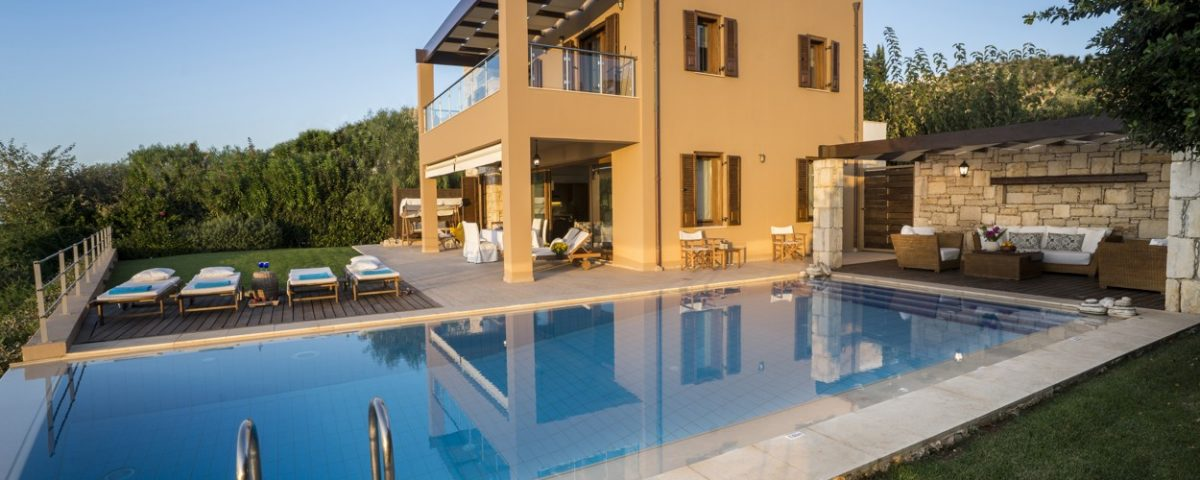 Villa Anemos and pool