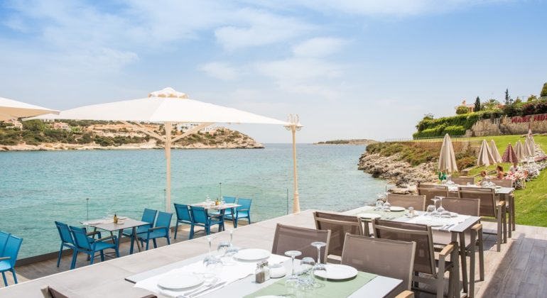 The taverna by the sea