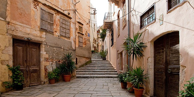 Paved alleys in Old Harbour