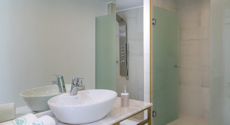 En-suite shower room (1)