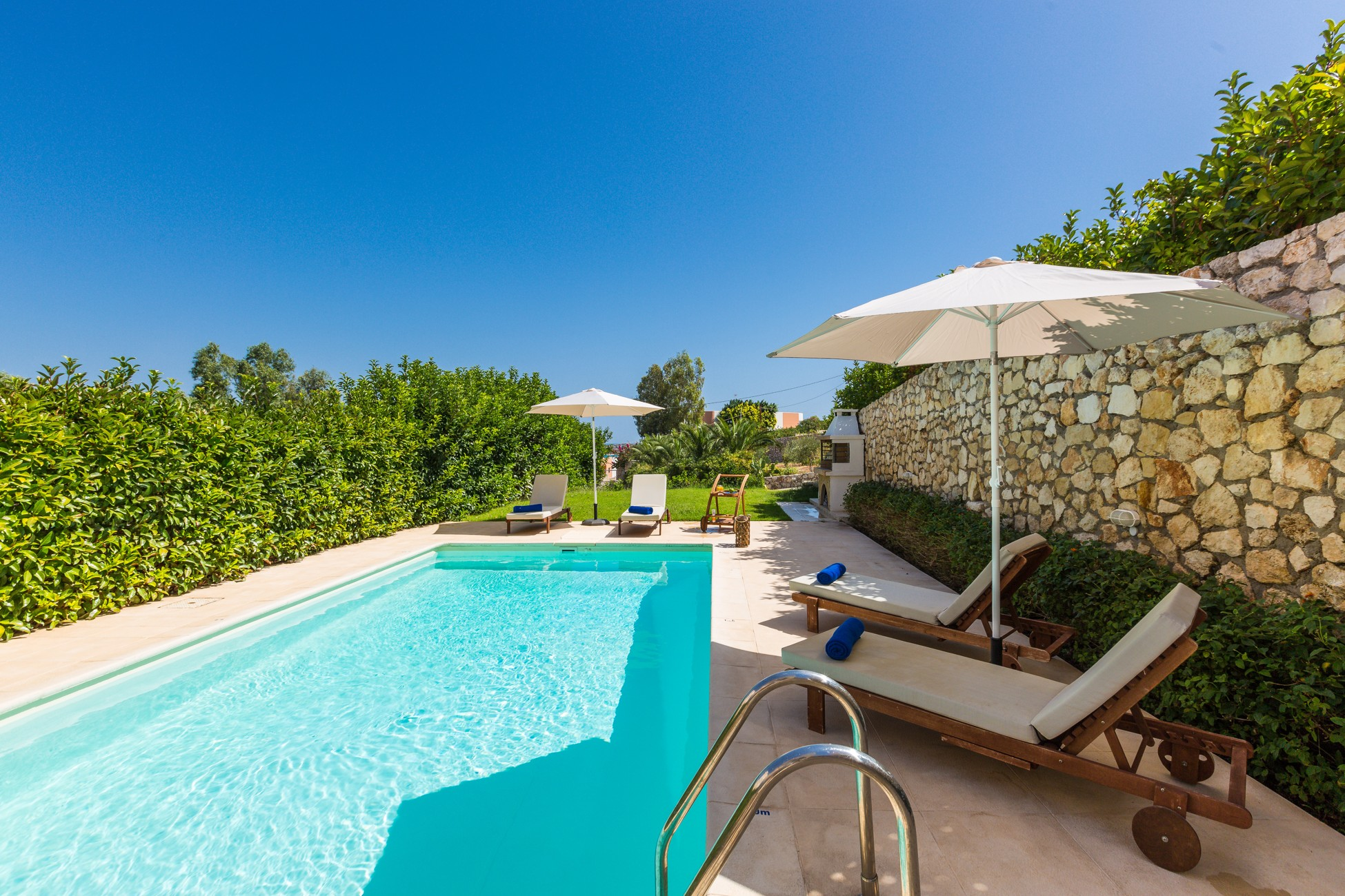 Villa Faidra In Loutraki Authentic Crete Villas In Crete Holiday Specialists