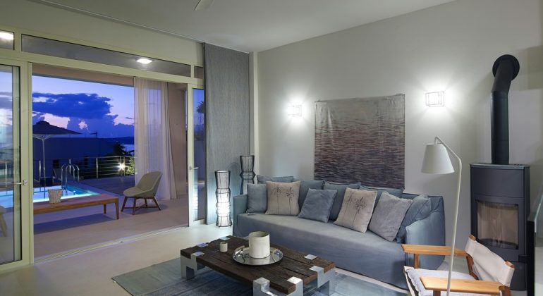 Living area with direct access to the pool area
