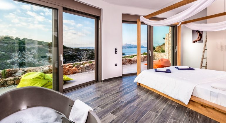 Double bedroom 1 with views