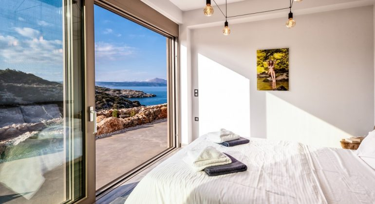 Double bedroom 3 with terrace and views