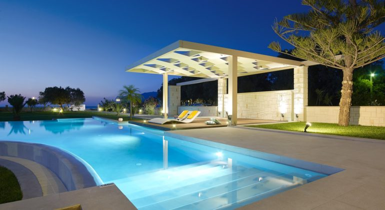 The amazing pool terrace